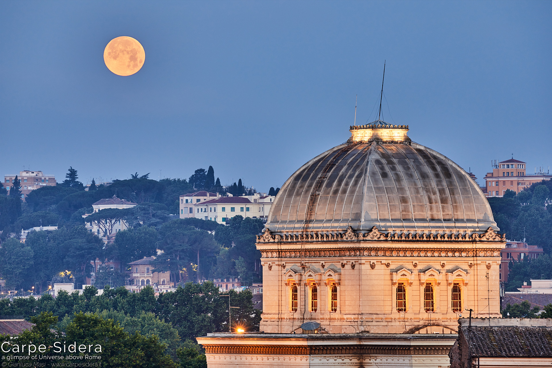 14. The Great Synagogue of Rome and the full Moon.